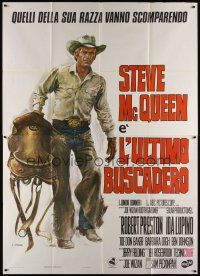 3c069 JUNIOR BONNER Italian 2p '72 Casaro art of rodeo cowboy Steve McQueen carrying saddle!