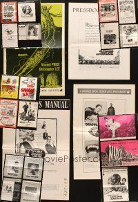 3g033 LOT OF 23 CUT PRESSBOOKS '60s-70s great advertising images from a variety of movies!