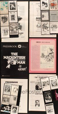 3g039 LOT OF 29 UNCUT PRESSBOOKS '60s-70s great advertising images from a variety of movies!
