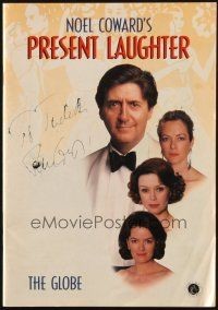 4t103 TOM CONTI signed English playbill '93 when he was in Noel Coward's Present Laughter!