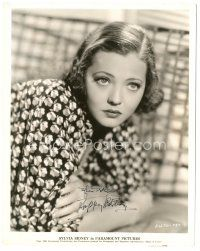4t499 SYLVIA SIDNEY signed 8x10.25 still '35 close up of the beautiful actress resting on her arms!
