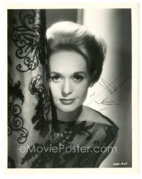 4t501 TIPPI HEDREN signed 8x10 still '63 wonderful publicity photo from Hitchcock's The Birds!