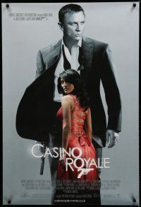 7d421 CASINO ROYALE DS English 1sh '06 Daniel Craig as James Bond, sexy Caterina Murino as Solange!
