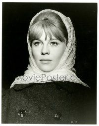 8h261 DOCTOR ZHIVAGO 8x10.25 still '65 David Lean epic, c/u of Julie Christie wearing shawl!