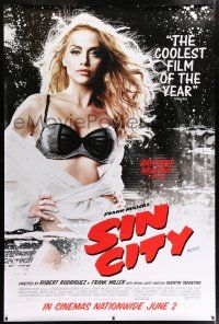 6c003 SIN CITY DS English bus stop '05 graphic novel by Frank Miller, Brittany Murphy as Shellie!