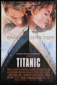 7g760 TITANIC 1sh '97 Leonardo DiCaprio, Kate Winslet, directed by James Cameron!