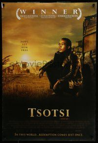 7g791 TSOTSI DS 1sh '06 cool image of Presley Chweneyagae in the title role!