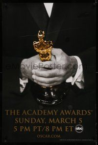 8w013 78th ANNUAL ACADEMY AWARDS 1sh '05 cool Studio 318 design of man in suit holding Oscar!