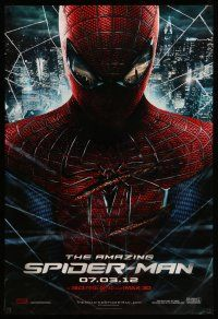 9c058 AMAZING SPIDER-MAN teaser DS 1sh '12 portrait of Andrew Garfield in title role over city!