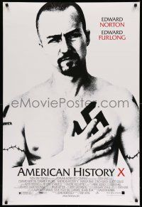 9c065 AMERICAN HISTORY X DS 1sh '98 B&W image of Edward Norton as skinhead neo-Nazi!