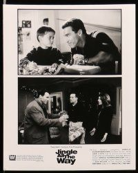 9s331 JINGLE ALL THE WAY 9 8x10 stills '96 Arnold Schwarzenegger, Sinbad, two dads & one toy!