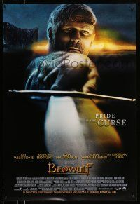 1k077 BEOWULF int'l advance DS 1sh '07 close up of Ray Winstone pointing sword, Robert Zemeckis!