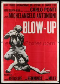 1r043 BLOW-UP Italian 2p '67 Michelangelo Antonioni, Hemmings straddles sexy model Verushka!