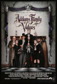 2r014 ADDAMS FAMILY VALUES DS 1sh '93 Carel Strucken, the family just got a little stranger!