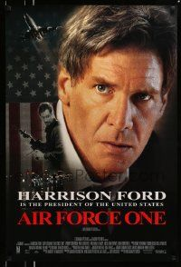 2z015 AIR FORCE ONE int'l DS 1sh '97 President Harrison Ford, Gary Oldman with machine gun!