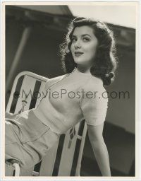 4s031 ANN RUTHERFORD deluxe 10x13 still '40s full-length smiling close up lounging outdoors!