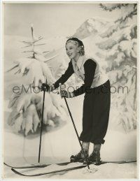 4s038 ANNA LEE deluxe 10.5x13.75 still '40s full-length smiling portrait on skis by Otto Dyar!