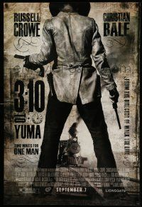 4w003 3:10 TO YUMA advance 1sh '07 Russell Crowe & Christian Bale, Ben Foster in front of train!