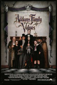 4w027 ADDAMS FAMILY VALUES DS 1sh '93 Carel Strucken, the family just got a little stranger!