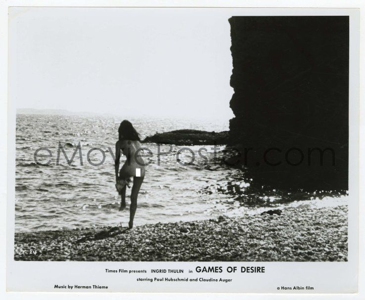 4x345 Games Of Desire 8 25x Far Shot Of Sexy Naked Claudine Auger On The Beach