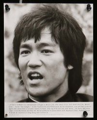 6m254 ENTER THE DRAGON presskit w/ 9 stills '73 Bruce Lee, the movie that made him a legend!