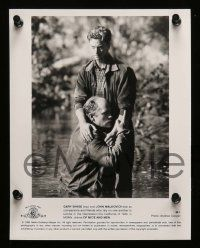 6m328 OF MICE & MEN presskit w/ 8 stills '92 Gary Sinise, John Malkovich, John Steinbeck novel!