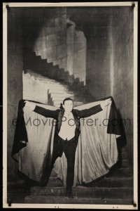 8c611 DRACULA 25x38 commercial poster '60s Tod Browning, Bela Lugosi, classic pose with cape!