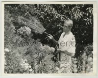 2a035 BORIS KARLOFF 6.5x8.5 news photo '39 at home watering posies, flowers are his real weakness!