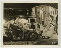 2a032 FREAKS candid 8x10.25 still '32 Tod Browning filming the sideshow cast from moving car, rare!