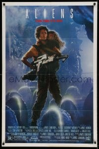 5t027 ALIENS 1sh '86 James Cameron sci-fi sequel, Sigourney Weaver as Ripley carrying Carrie Henn!