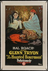 9h073 HAUNTED HONEYMOON linen 1sh 1925 Hal Roach, wild stone litho image of Tryon bit by bear rug!