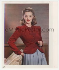 9x019 BETTE DAVIS deluxe color 10x12 still 1950s close portrait leaning against the back of a chair!