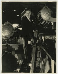 9x165 PAUL LUKAS deluxe 10.75x14 still 1931 candid in the rafters over the set of The Vice Squad!