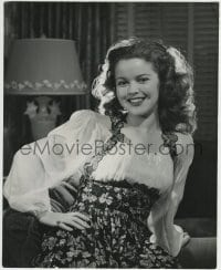 9x183 SHIRLEY TEMPLE 11x13.75 still 1944 16 years old & sitting on sofa with big smile!