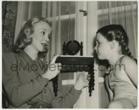 9x198 VIRGINIA BRUCE deluxe 10.75x13.5 still 1930s showing doll furniture to daughter by Tom Evans!