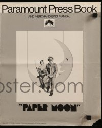 9x829 PAPER MOON pressbook 1973 great image of smoking Tatum O'Neal with dad Ryan O'Neal!