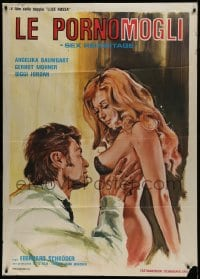 1p387 SENSUOUS HOUSEWIFE Italian 1p 1978 art of man grabbing sexy near-naked blonde woman!