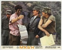 2a072 MASH color 8x10 still 1970 Elliott Gould & Donald Sutherland are the pros from Dover!