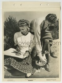 2x628 BAMBI candid 8x11 key book still 1942 man holds goose for Disney artist as she sketches it!