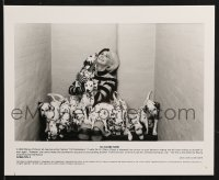 2x773 102 DALMATIANS 2 8x10 stills 2000 Walt Disney, wicked Glenn Close wth many dogs!