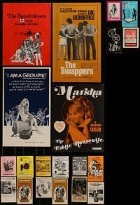 4m201 LOT OF 20 UNCUT SEXPLOITATION PRESSBOOKS 1970s advertising for a variety of sexy movies!