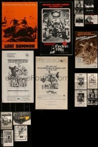 4m230 LOT OF 17 CUT PRESSBOOKS 1960s-1970s advertising for a variety of different movies!