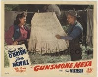 4p384 GUNSMOKE MESA LC 1944 Patti McCarty & old guy read note someone left on hanging laundry!