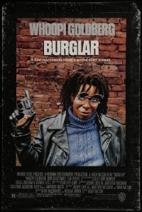4t024 BURGLAR signed 1sh 1987 by Whoopi Goldberg, great close up of her w/gun & sunglasses!
