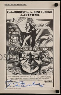 4t074 CAROLINE MUNRO signed pressbook 1977 posters, ads & information for The Spy Who Loved Me!