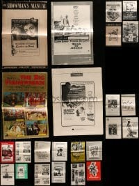 5d253 LOT OF 24 UNCUT PRESSBOOKS 1950s-1970s advertising for a variety of different movies!