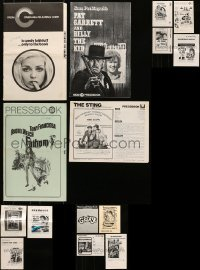 5d259 LOT OF 15 UNCUT PRESSBOOKS 1970s advertising for a variety of different movies!