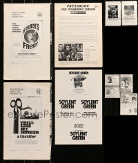 5d265 LOT OF 10 UNCUT PRESSBOOKS 1970s advertising for a variety of different movies!