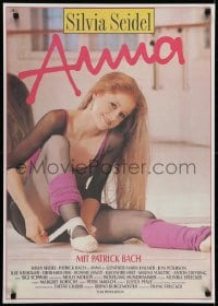6p288 ANNA East German 23x32 1989 great image of sexy dancer Silvia Seidel tying ballet slipper!