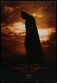 6r069 BATMAN BEGINS teaser DS 1sh 2005 June 17, full-length image of Christian Bale in title role!